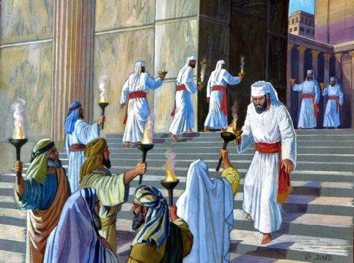building-the-menorah-20-720